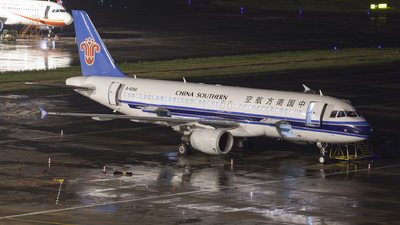 A picture of B6282 - Airbus A320214 - China Southern Airlines - © oneworld_Wang