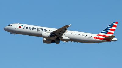 N182UW - Airbus A321-211 - American Airlines