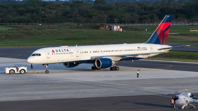 A picture of N698DL - Boeing 757232 - Delta Air Lines - © Limafoxcr