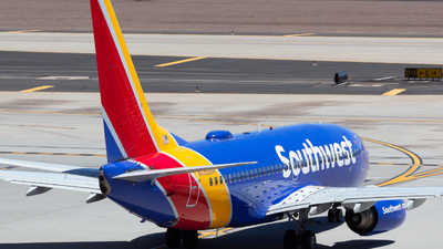 A picture of N765SW - Boeing 7377H4 - Southwest Airlines - © Saul Hannibal
