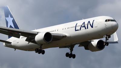 A picture of CCCXJ - Boeing 767316(ER) - LATAM Airlines - © Xiamen Air 849 Heavy