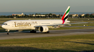 A6-ENV - Boeing 777-31HER - Emirates