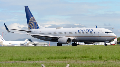 A picture of N77518 - Boeing 737824 - United Airlines - © RAFAEL FERNANDEZ ABARCA
