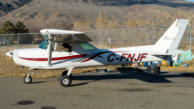 C-FNJF - Cessna 152 - Canadian Flight Centre