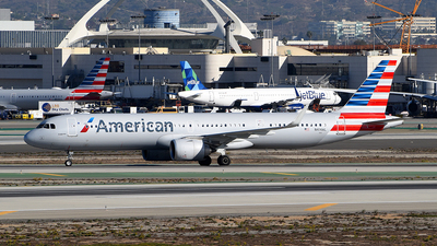 A picture of N414AL - Airbus A321253NX - American Airlines - © Rocky Wang