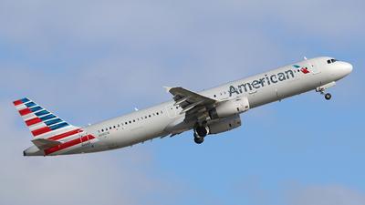 N581UW - Airbus A321-231 - American Airlines