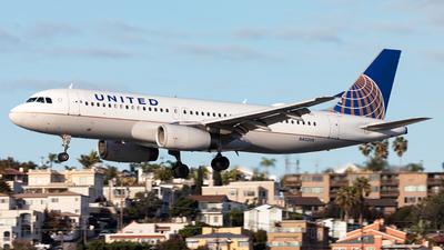 N402UA - Airbus A320-232 - United Airlines