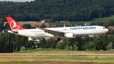 A picture of TCJOG - Airbus A330303 - Turkish Airlines - © Tomasz Habaj