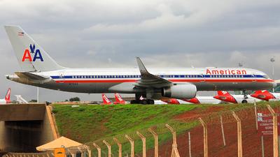 N176AA - Boeing 757-223 - American Airlines