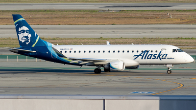 A picture of N400SY - Embraer E175LR - Alaska Airlines - © global_flyer1