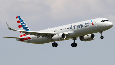 N905AU - Airbus A321-231 - American Airlines