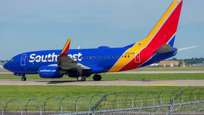 A picture of N792SW - Boeing 7377H4 - Southwest Airlines - © Mateo Skinner
