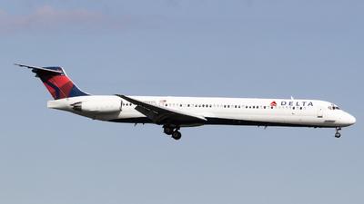 N949DL - McDonnell Douglas MD-88 - Delta Air Lines