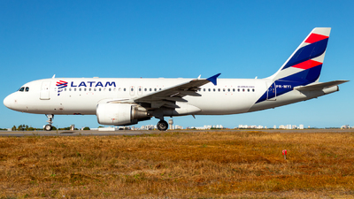 PR-MYI - Airbus A320-214 - LATAM Airlines