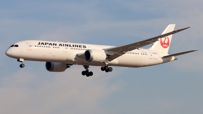 A picture of JA863J - Boeing 7879 Dreamliner - Japan Airlines - © 5947