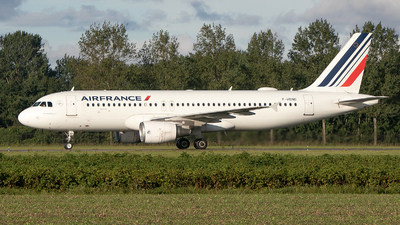 A picture of FHBND - Airbus A320214 - Air France - © Freek Blokzijl