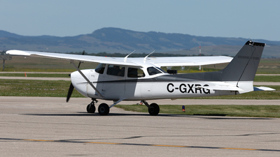 A picture of CGXRG - Cessna 172R Skyhawk - [17280895] - © Mike MacKinnon