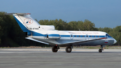 RA-87988 - Yakovlev Yak-40 - Petropavlovsk-Kamchatskoe Aviation Enterprise