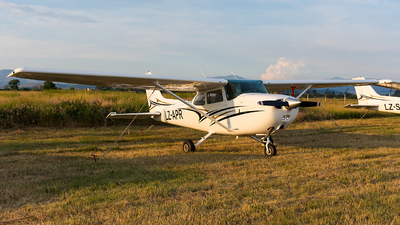 LZ-APR - Cessna 172N Skyhawk - Private