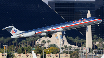 N472AA - McDonnell Douglas MD-82 - American Airlines