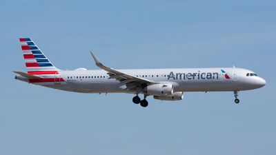 A picture of N903AA - Airbus A321231 - American Airlines - © Skier737