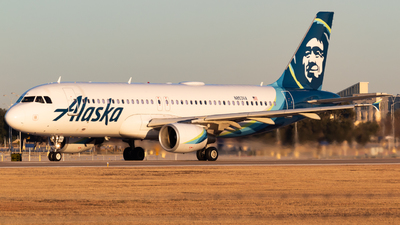 A picture of N853VA - Airbus A320214 - Alaska Airlines - © Saul Hannibal