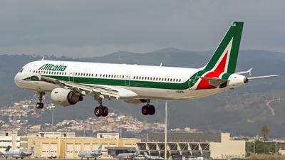 I-BIXM - Airbus A321-112 - Alitalia