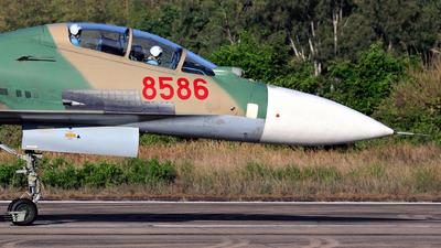 8586 - Sukhoi Su-30MK2V - Vietnam - Air Force