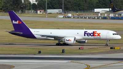 A picture of N796FD - Boeing 757222(SF) - FedEx - © Carlos Barcelo