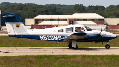 N520MS - Piper PA-44-180 Seminole - Western Michigan University College of Aviation