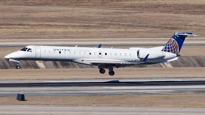 A picture of N11137 - Embraer ERJ145XR - United Airlines - © Yixin Chen