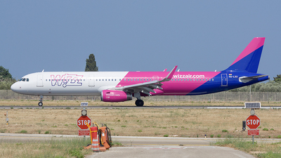 HA-LXU - Airbus A321-231 - Wizz Air