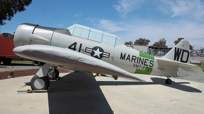 90866 - North American SNJ-5 Texan - United States - US Marine Corps (USMC)