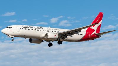 VH-VZD - Boeing 737-838 - Qantas