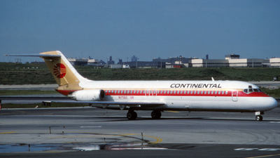 N17560 - McDonnell Douglas DC-9-31 - Continental Airlines