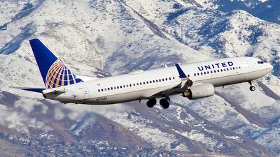 N77258 - Boeing 737-824 - United Airlines
