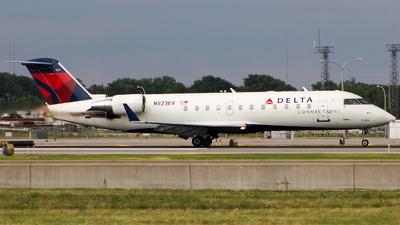 A picture of N923EV - Mitsubishi CRJ200LR - Delta Air Lines - © Aneesh Bapaye