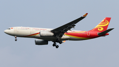 A picture of B6116 - Airbus A330243 - Hainan Airlines - © ceci wong