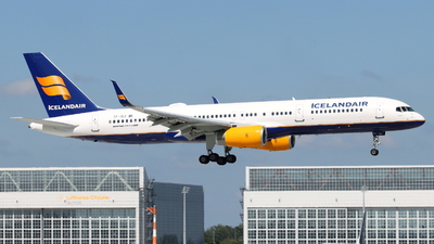 A picture of TFISJ - Boeing 757256 - Icelandair - © Fabian Dirscherl