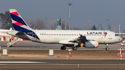 CC-COC - Airbus A320-233 - LATAM Airlines