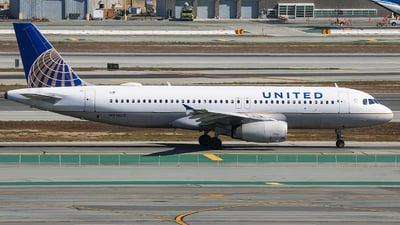 A picture of N416UA - Airbus A320232 - United Airlines - © KenKen Huang