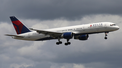 A picture of N668DN - Boeing 757232 - Delta Air Lines - © James Bruno