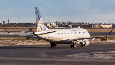 A picture of N161SY - Embraer E175LR - United Airlines - © Alex Praglowski