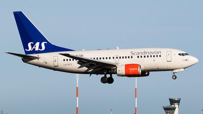LN-RPG - Boeing 737-683 - Scandinavian Airlines (SAS)