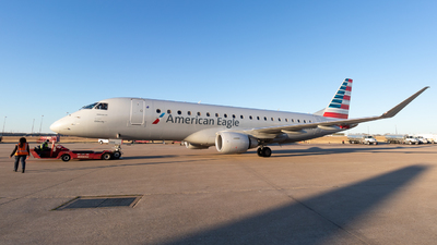 A picture of N236NN - Embraer E175LR - American Airlines - © Dayon W