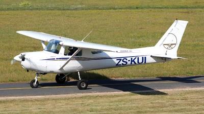 ZS-KUI - Cessna 152 - Stellenbosch Flying Club