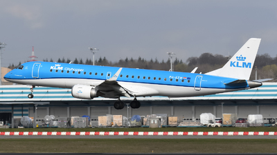 A picture of PHEZW - Embraer E190STD - KLM - © Tom Mousel