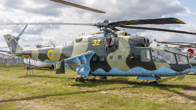 32 - Mil Mi-24 Hind A - Ukraine - Air Force