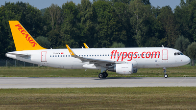 TC-DCM - Airbus A320-214 - Pegasus Airlines