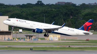 N369DN - Airbus A321-211 - Delta Air Lines